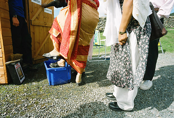 bangladeshi-schoolteachers-disinfecting-before-venturing-on-fells
